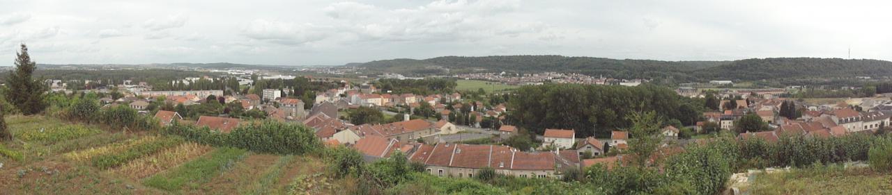 vue panoramique de Mont-saint-martin, à partir du  jardin