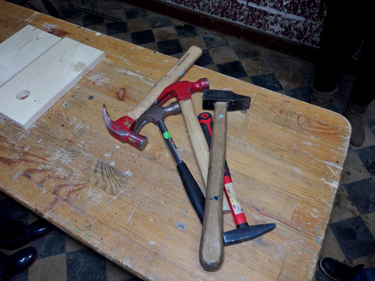 Leçon d'arithmérique improvisée...5 marteaux +....