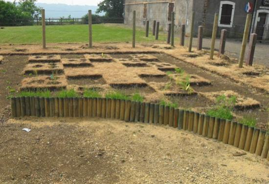 jardin médiéval dans ses débuts