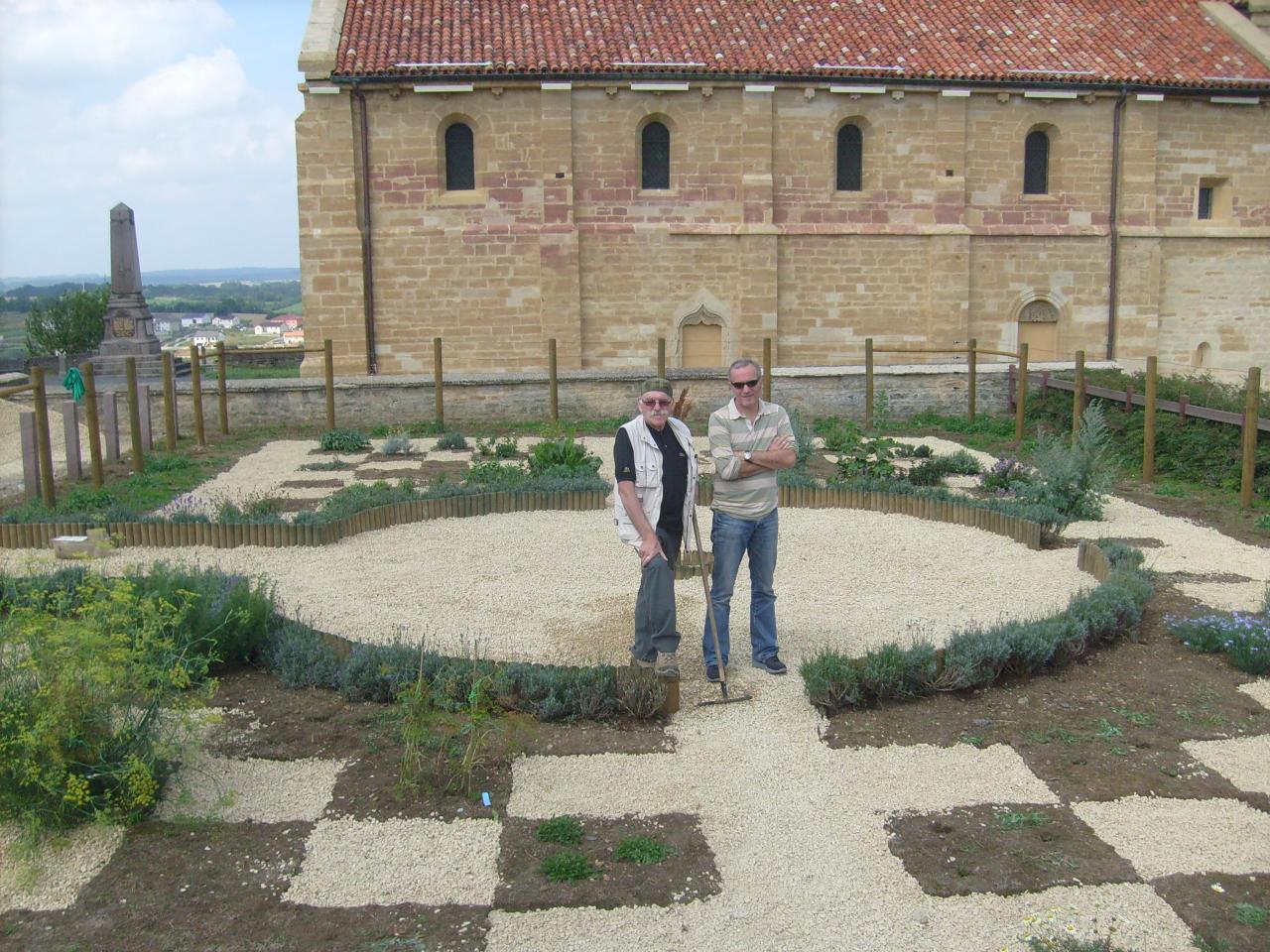 Robert dans le jardin médiéval juillet 2011